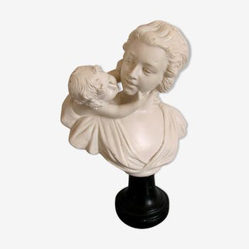 Sculpture in plaster, young mother and child