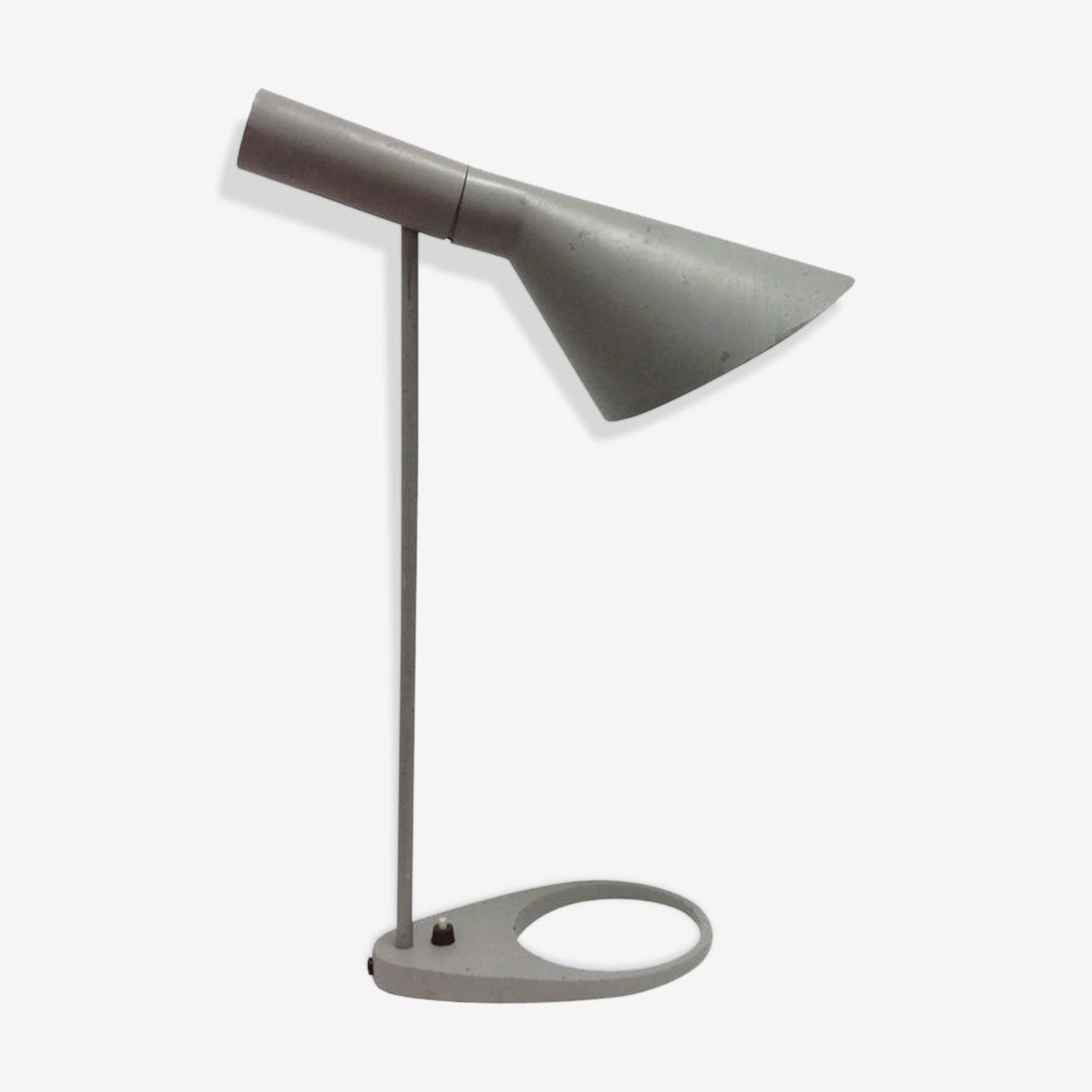 Arne Jacobsen Visor table lamp
