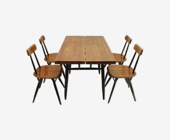 Ensemble table et chaises par Ilmari Tapiovaara Pirkka