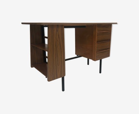 Bureau vintage compact