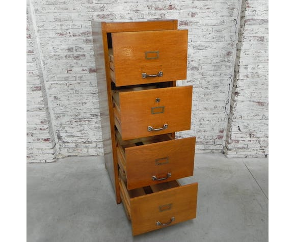 Oak chest of drawers with 4 drawers