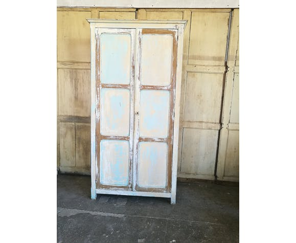 Original Parisian wardrobe patina