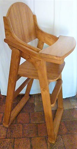High chair for sturdy and very handy children
