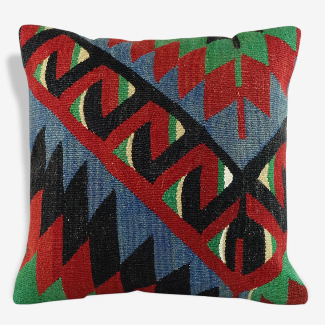 Coussin kilim ethnique vert rouge, bleu et noir A007