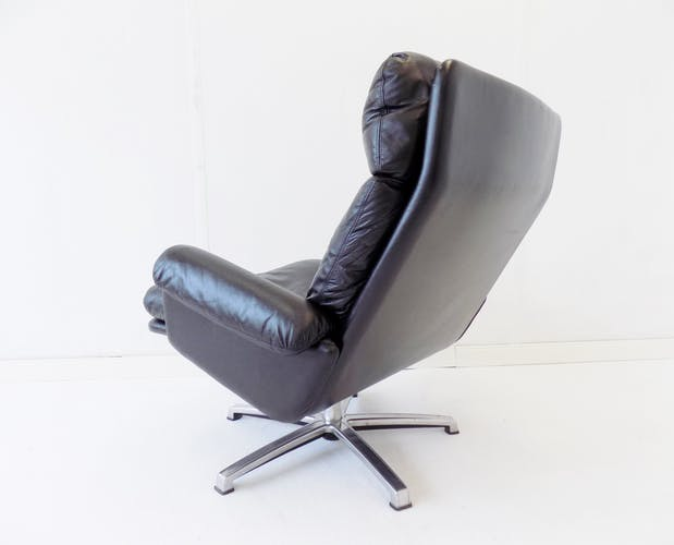 Fauteuil en cuir noir ESA par Werner Langenfeld