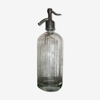Siphon Seltzer brewery Mende water bottle