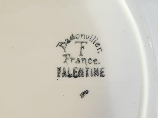 Plat rond en faïence de Badonviller modèle valentine