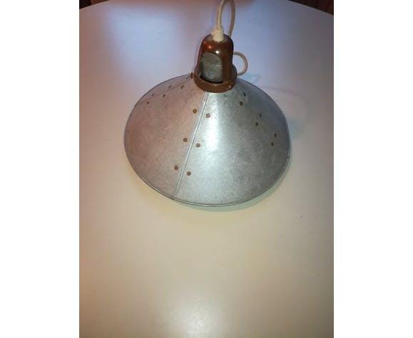 Suspension industrielle en zinc