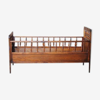 Wooden bed for baby at 3 years old