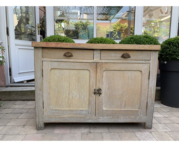 Parisian buffet patinated log