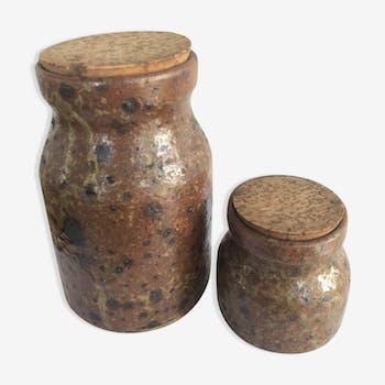 Set of 2 stoneware pots