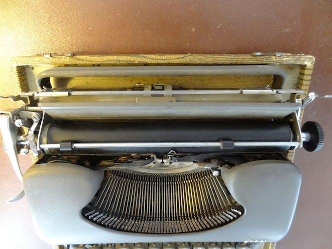 Machine à écrire Japy