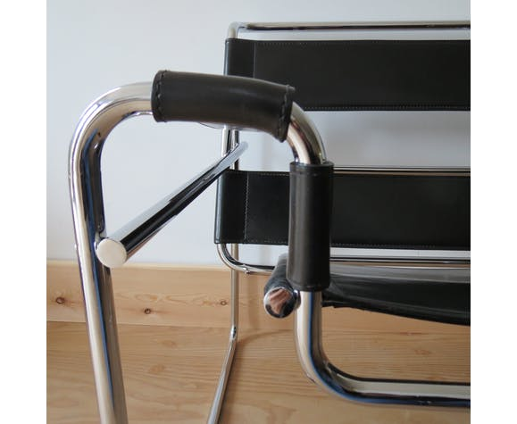 Wassily B3 leather and chrome chair Marcel Breuer 1980