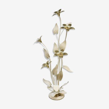 Floor lamp with flowers in brass in the middle of the century Hollywood Style
