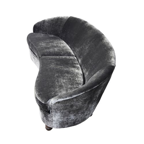 Curved sofa with exceptional Italian design