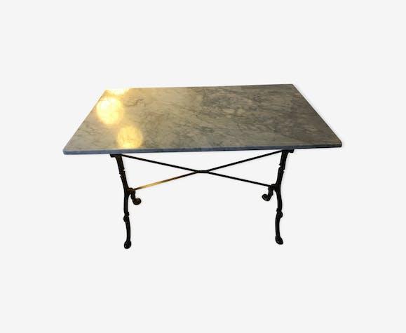 table bistrot en marbre rectangulaire marbre gris. Black Bedroom Furniture Sets. Home Design Ideas