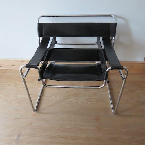 Fauteuil Wassily B3 cuir et chaise chromée Marcel Breuer 1980