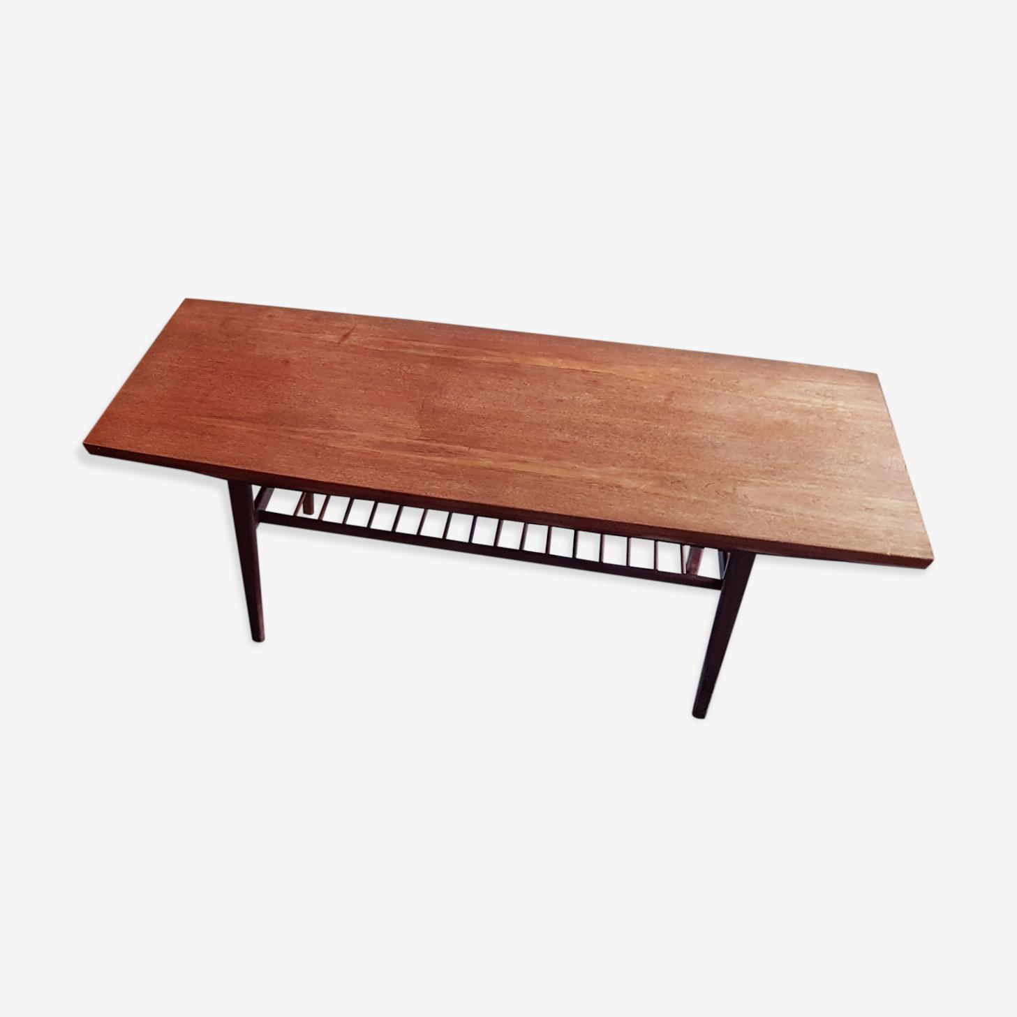 Table basse scandinave en teck années 60 2 rallonges incorporées.