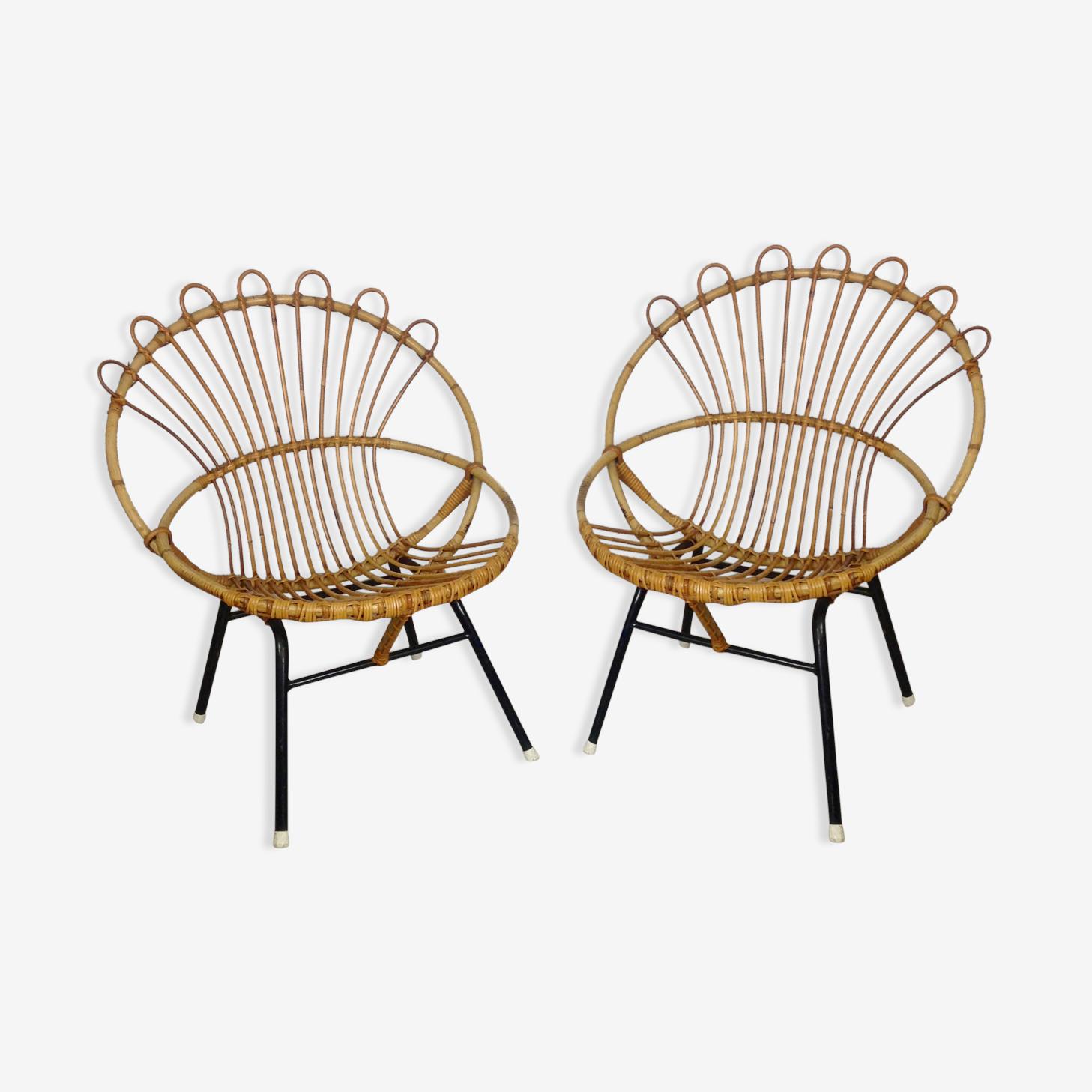 Paire de fauteuils en rotin avec piètement métal noir