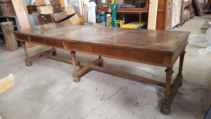 Table de communauté à 12 tiroirs