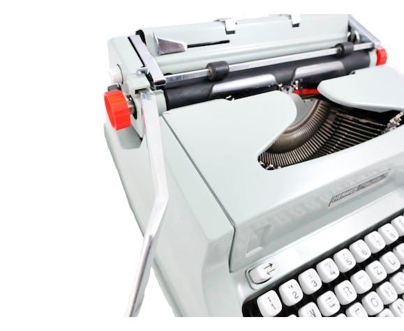 Hermes Media 3000 green vintage lime tree typewriter