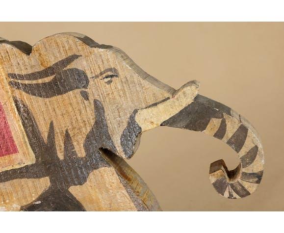 Jouet éléphant sur roulettes, années 1930