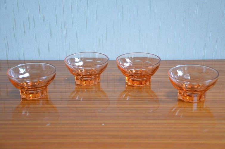 Lot de 4 coupelles en verre rose, art déco