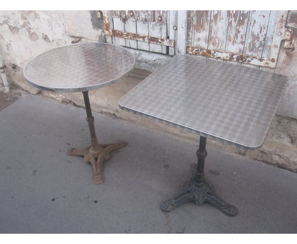 Paire de tables de bistrot