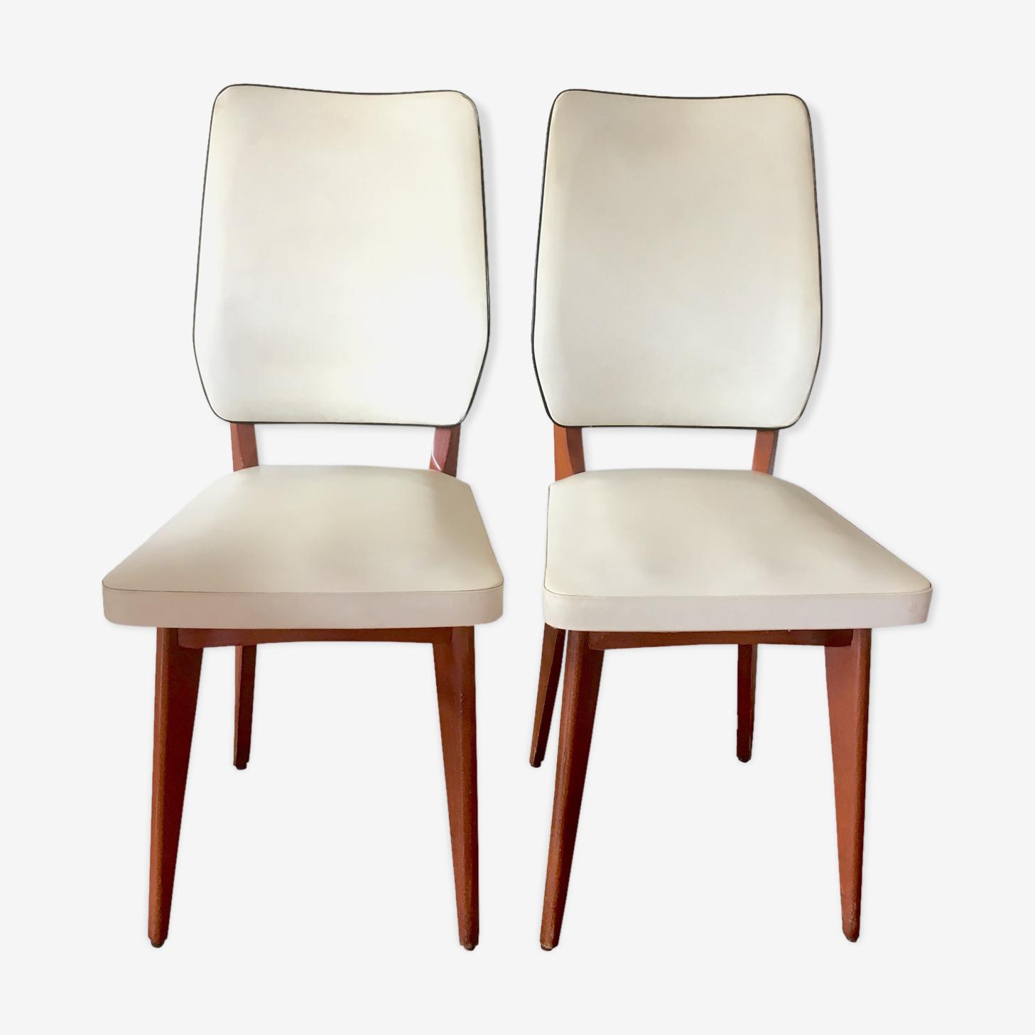 Paire de chaises en skaï beige et bois