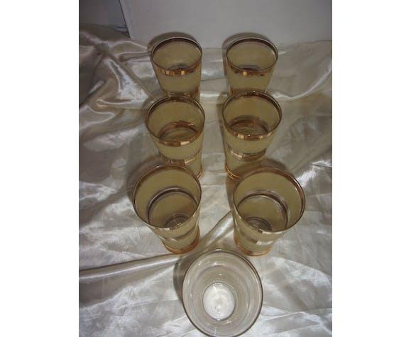 7 verres à orangeade en verre granité