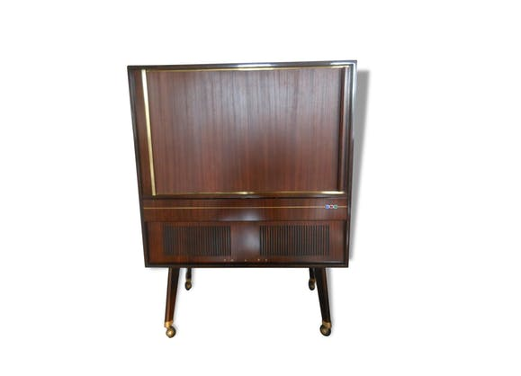 meuble tv philips vintage enfilade acajou luxe bois mat riau marron vintage 53359. Black Bedroom Furniture Sets. Home Design Ideas