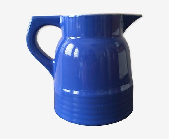 Pichet de table ancien en ceramique couleur bleu vif