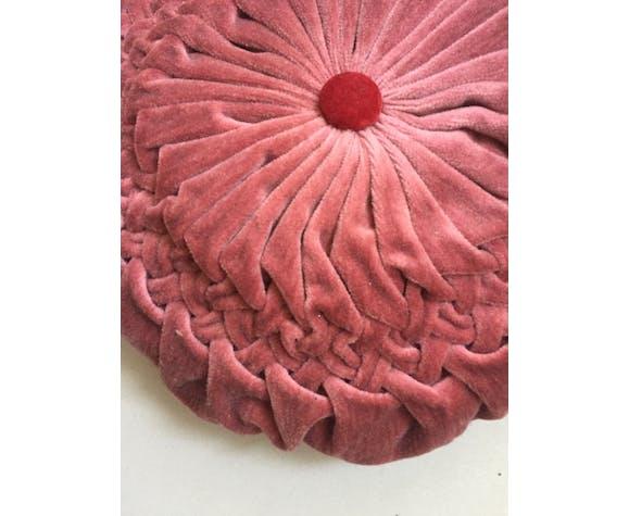 Round folded velvet cushion