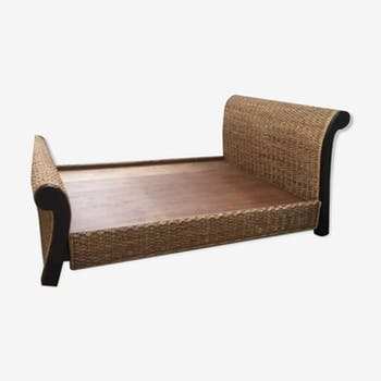 Balinese bed