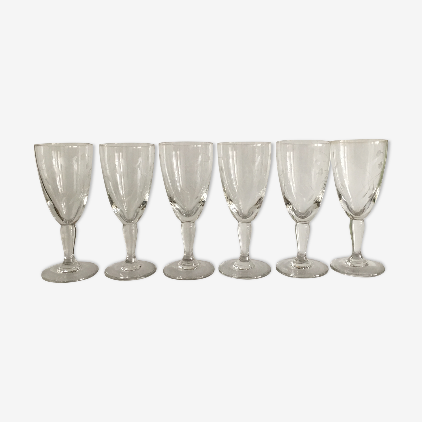 Set of 6 wine glasses etched on foot