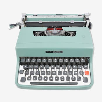 Typewriter Olivetti Lettera 32 - revised with new ribbon