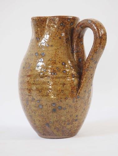 Sandstone pitcher