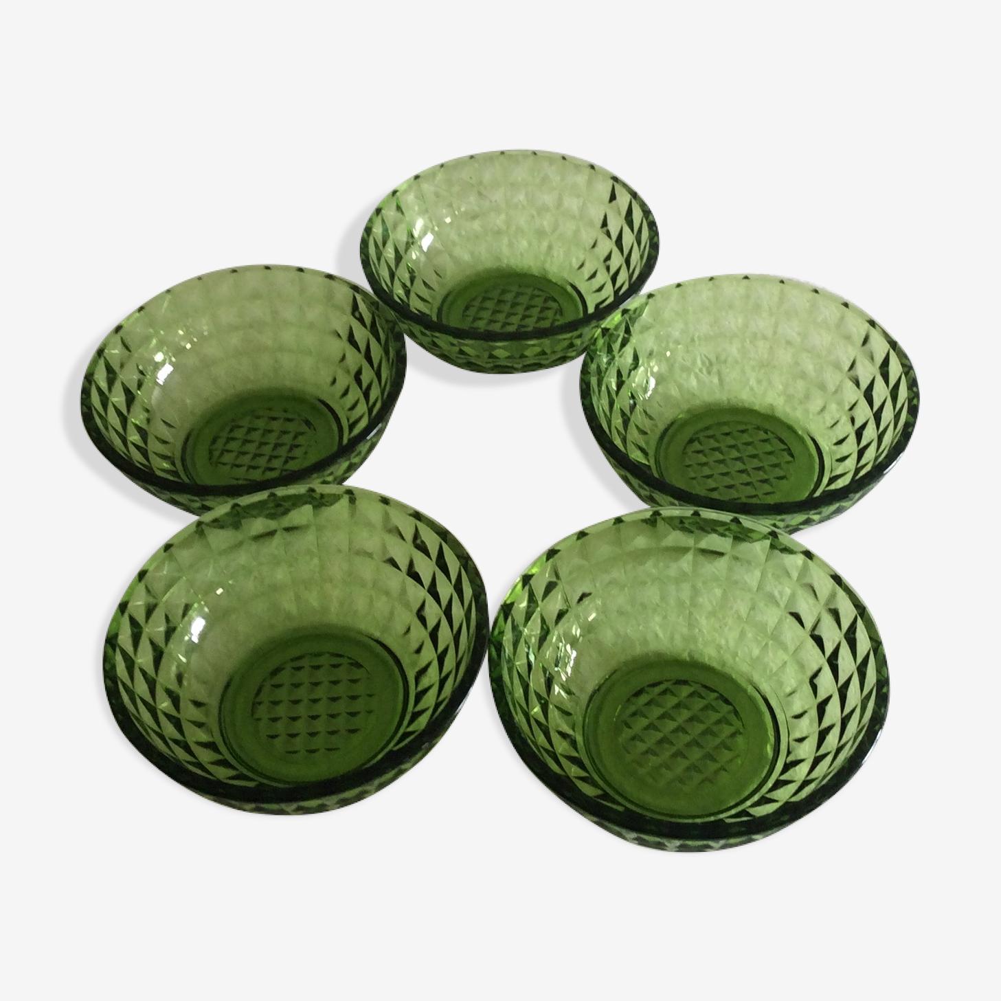 Série de cinq coupelles vertes