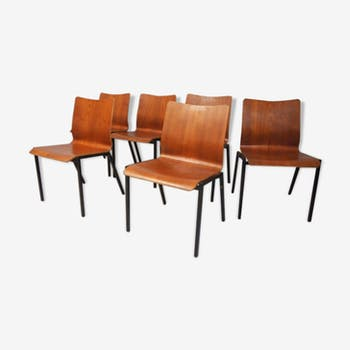 Ensemble de six chaises empilables danoises en teck