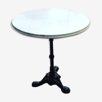 Bistro table white marble and cast iron