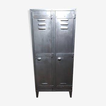 armoire vintage d 39 occasion. Black Bedroom Furniture Sets. Home Design Ideas