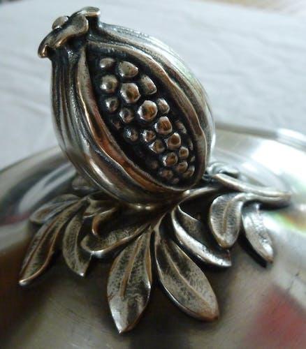 Vases in Grenada in silver metal