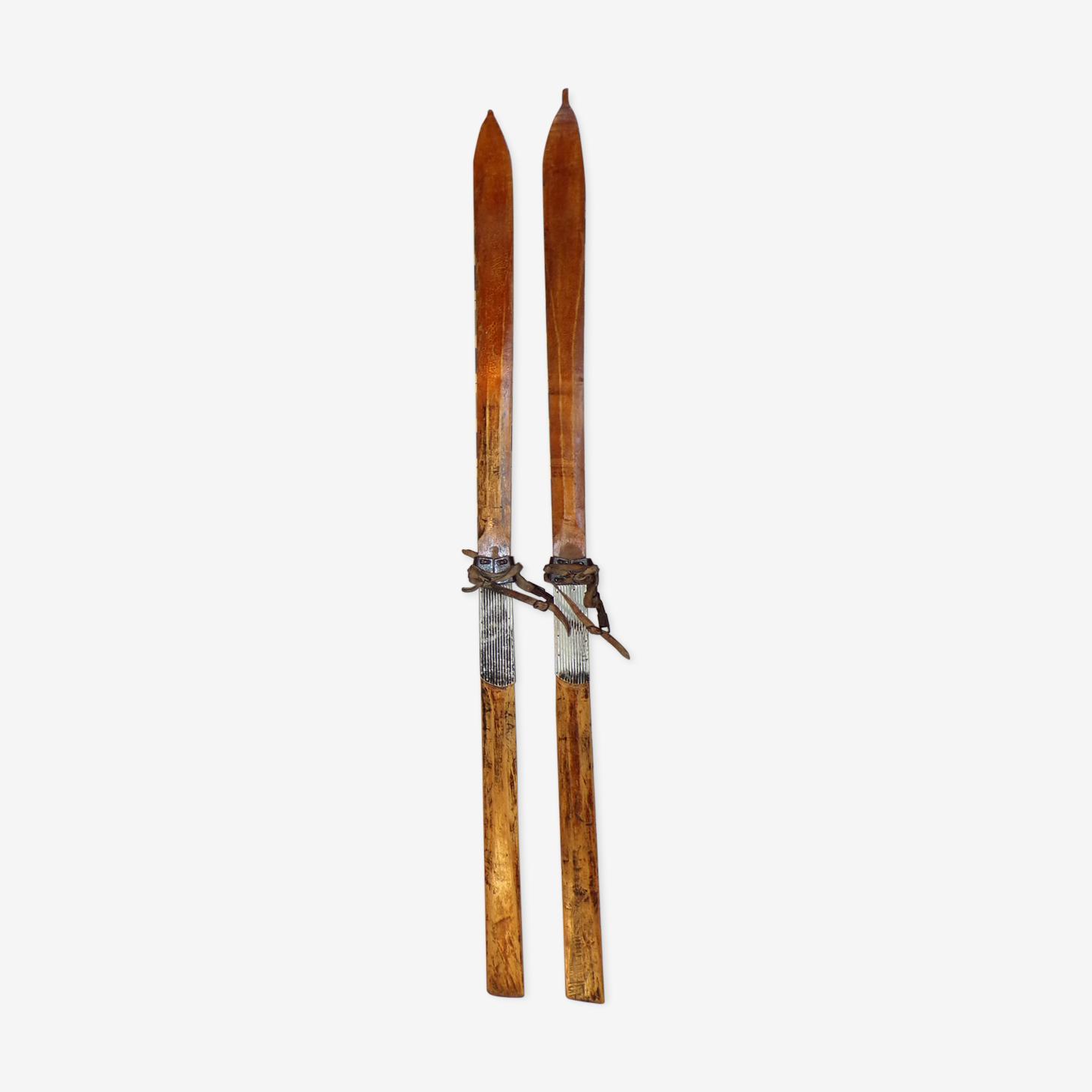 Paire de skis vintage en bois 2,03m
