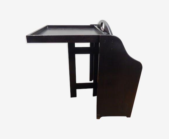 Wear magazine / end of foldable sofa
