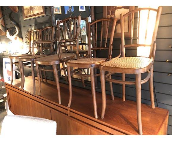 Lot de 5 chaises Thonet et un fauteuil modèle 1920