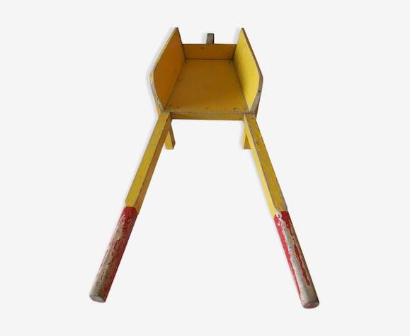 Brouette jouet d'enfant en bois