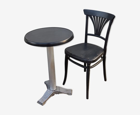 Table bistrot et sa chaise