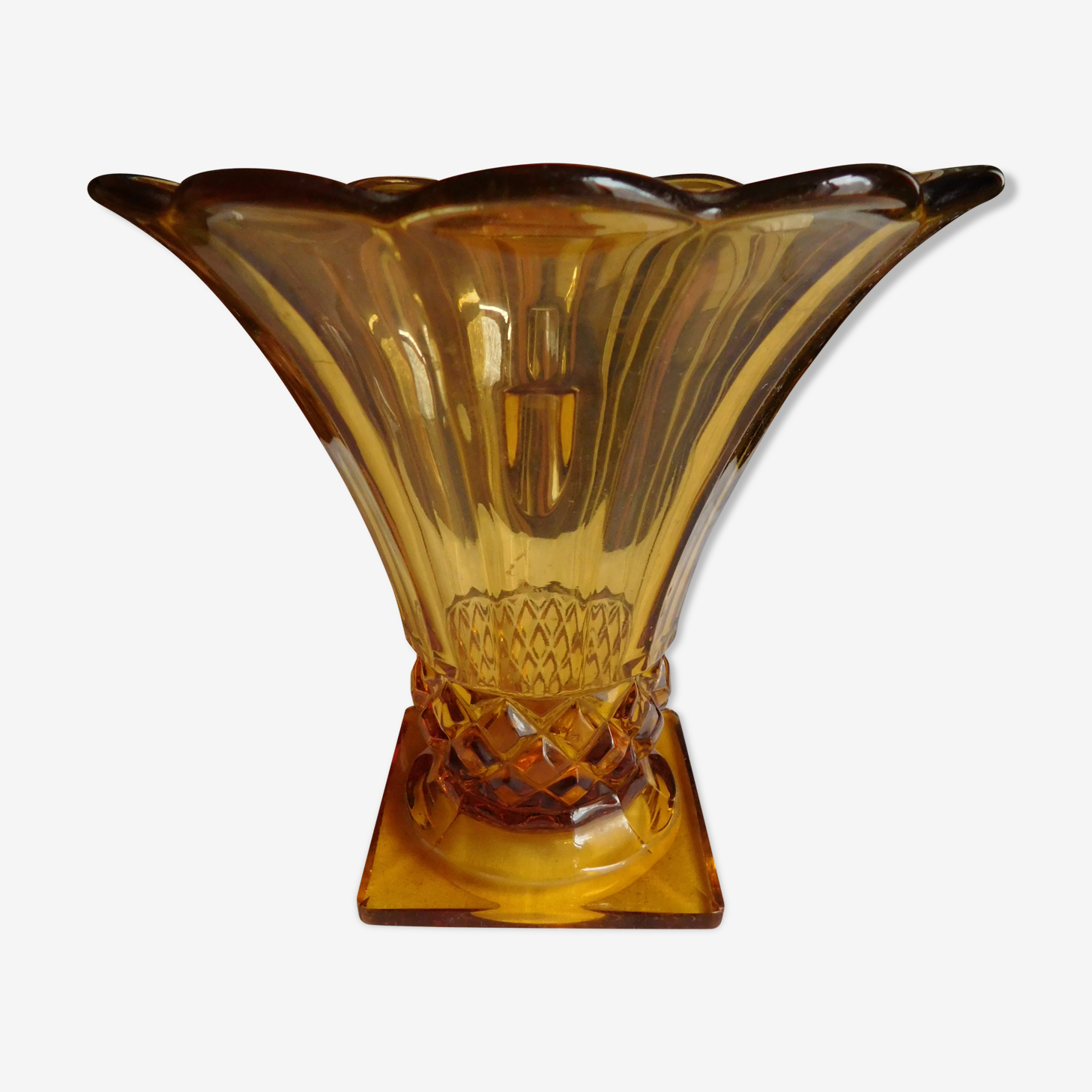 Old 50 years amber tulip vase
