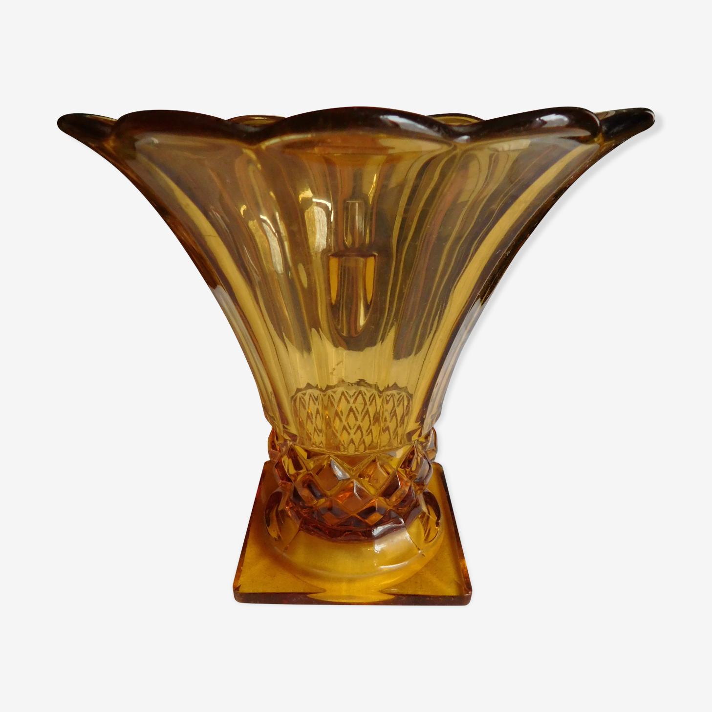 Old 50 years amber tulip vase