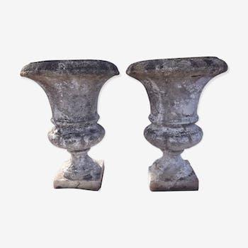 Paire de vases Médicis en pierre reconstituées
